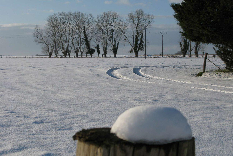 Contrat de déneigement : tout le monde ne dispose pas d'un tracteur avec une lame à neige