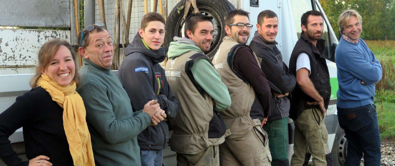 L'équipe de la société normande du paysage, paysagiste en Normandie : entretien du jardin
