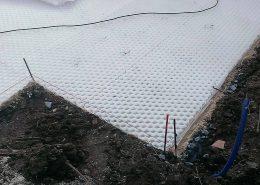 Préparation d'une terrasse en granulats blancs